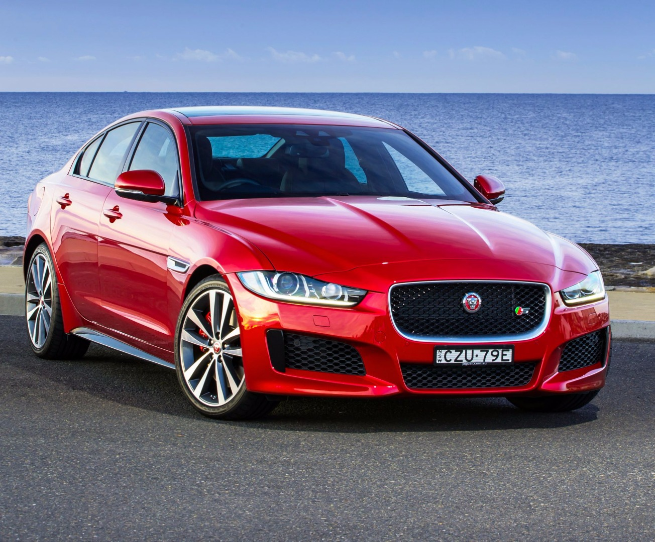 review 2017 jaguar xe review. Black Bedroom Furniture Sets. Home Design Ideas