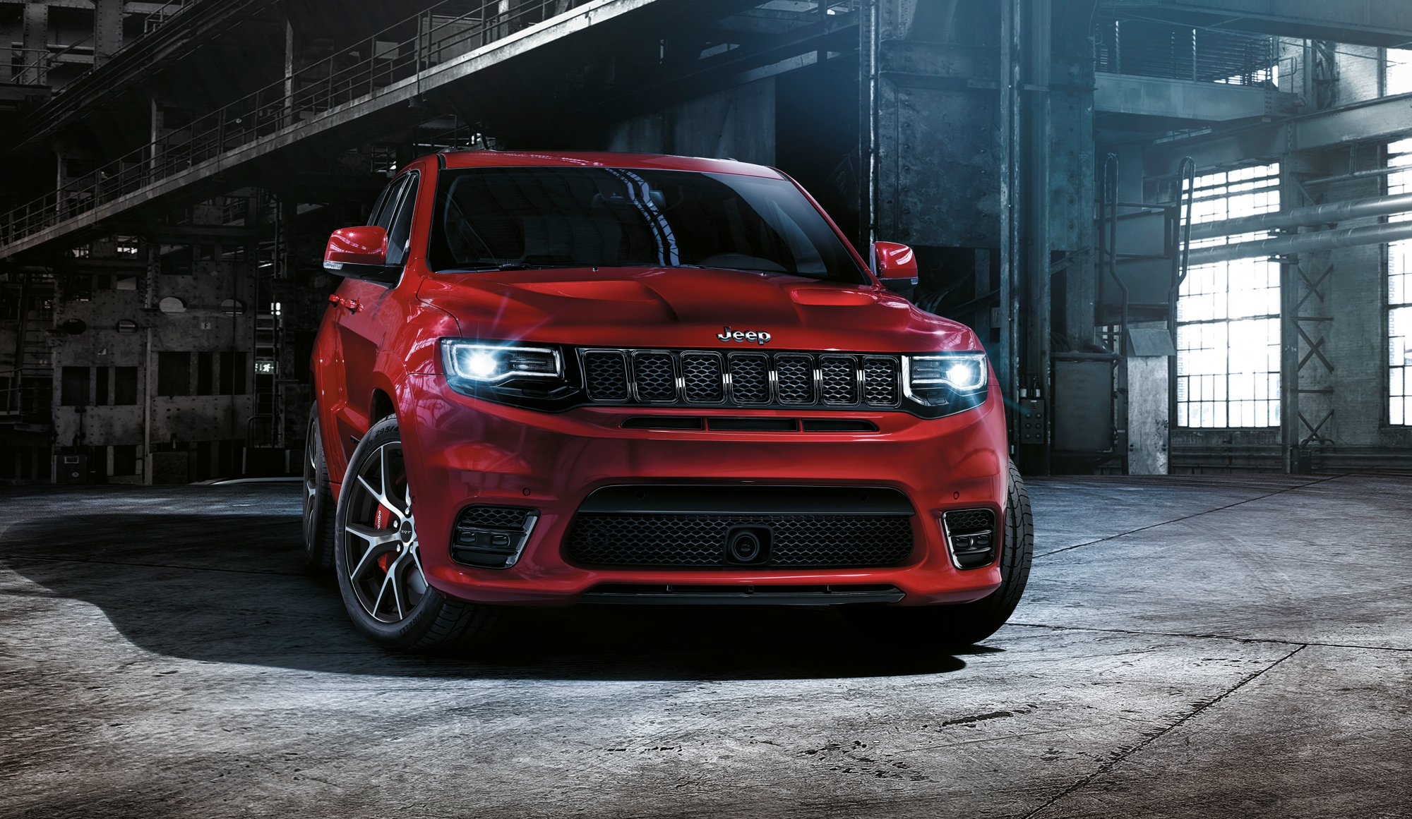 news jeep readying 527kw grand cherokee trackhawk for. Black Bedroom Furniture Sets. Home Design Ideas