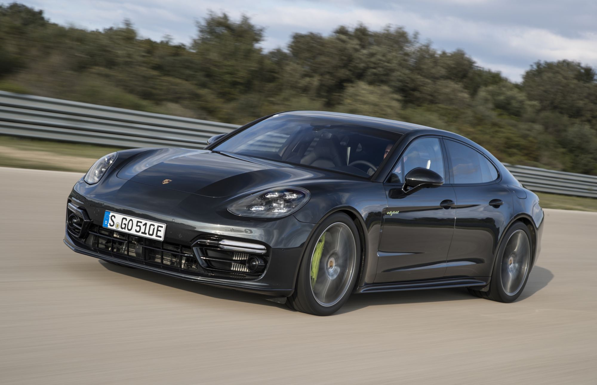 News Panamera Turbo S E Hybrid Is New Porsche Saloon King