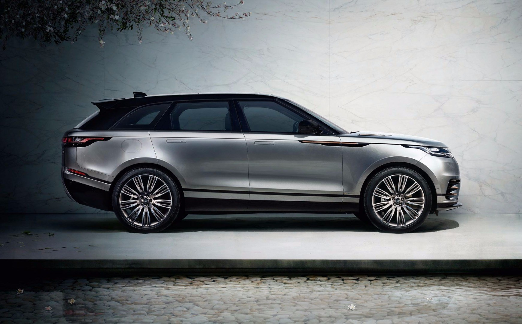 Range Rover Velar Premieres In London, In Oz Mid-2017 Thumbnail