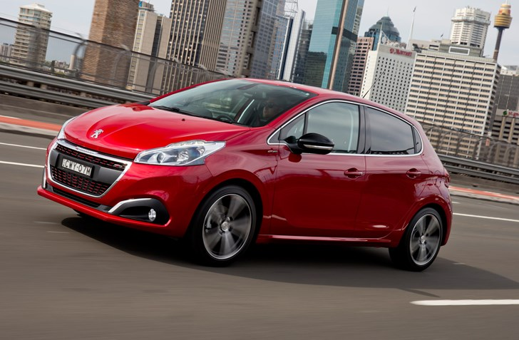 2017 Peugeot 208 - Review