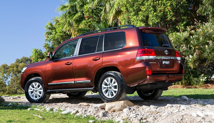 Review - 2017 Toyota Land Cruiser 200 - Review