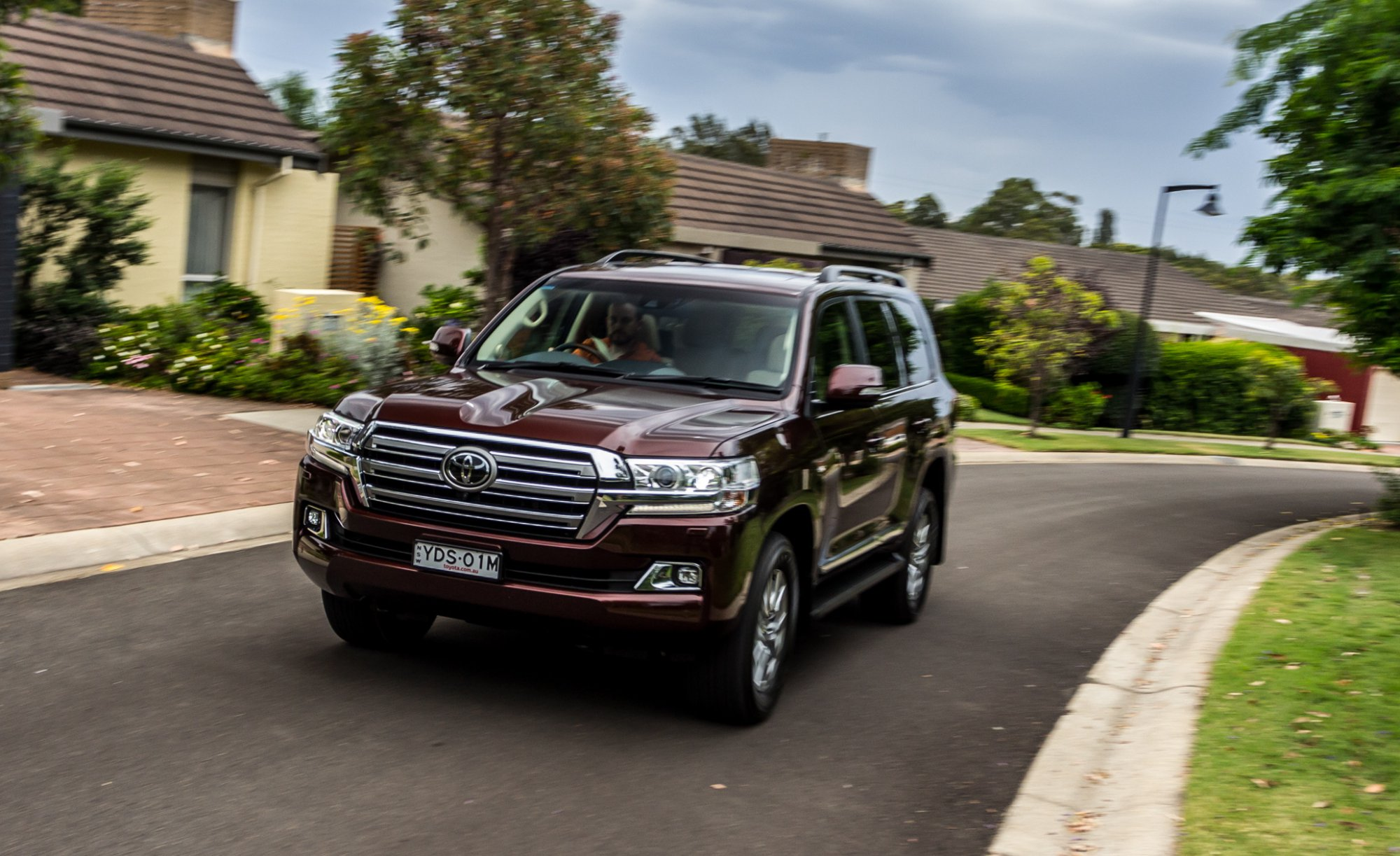 Review 2017 Toyota Land Cruiser 200 Review