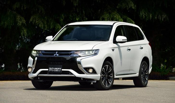 Mitsubishi Introduces 2017 Outlander PHEV