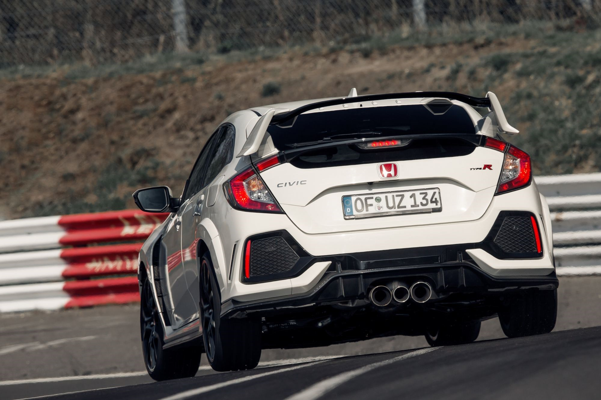 Honda Civic Type R Retakes FWD Nurburgring Lap Crown Thumbnail