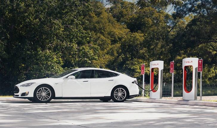 Tesla Supercharger Expansion