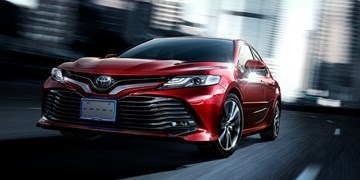 2018 Toyota Camry Debuts, Not For Wallflowers