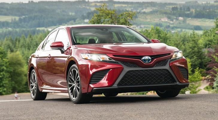 2018 Toyota Camry Hybrid SE (North America)