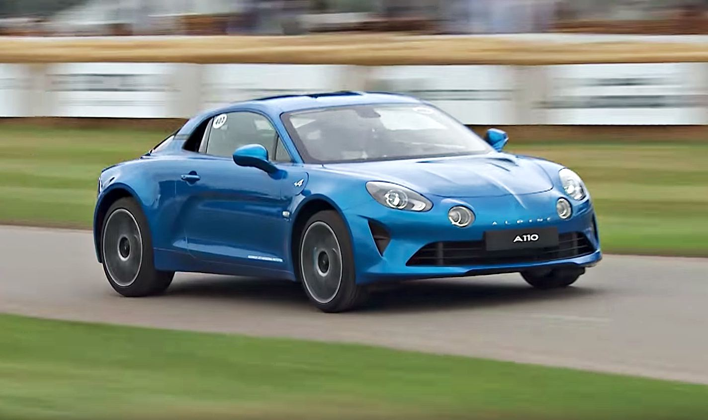 news 2017 alpine a110 makes dynamic debut at goodwood. Black Bedroom Furniture Sets. Home Design Ideas