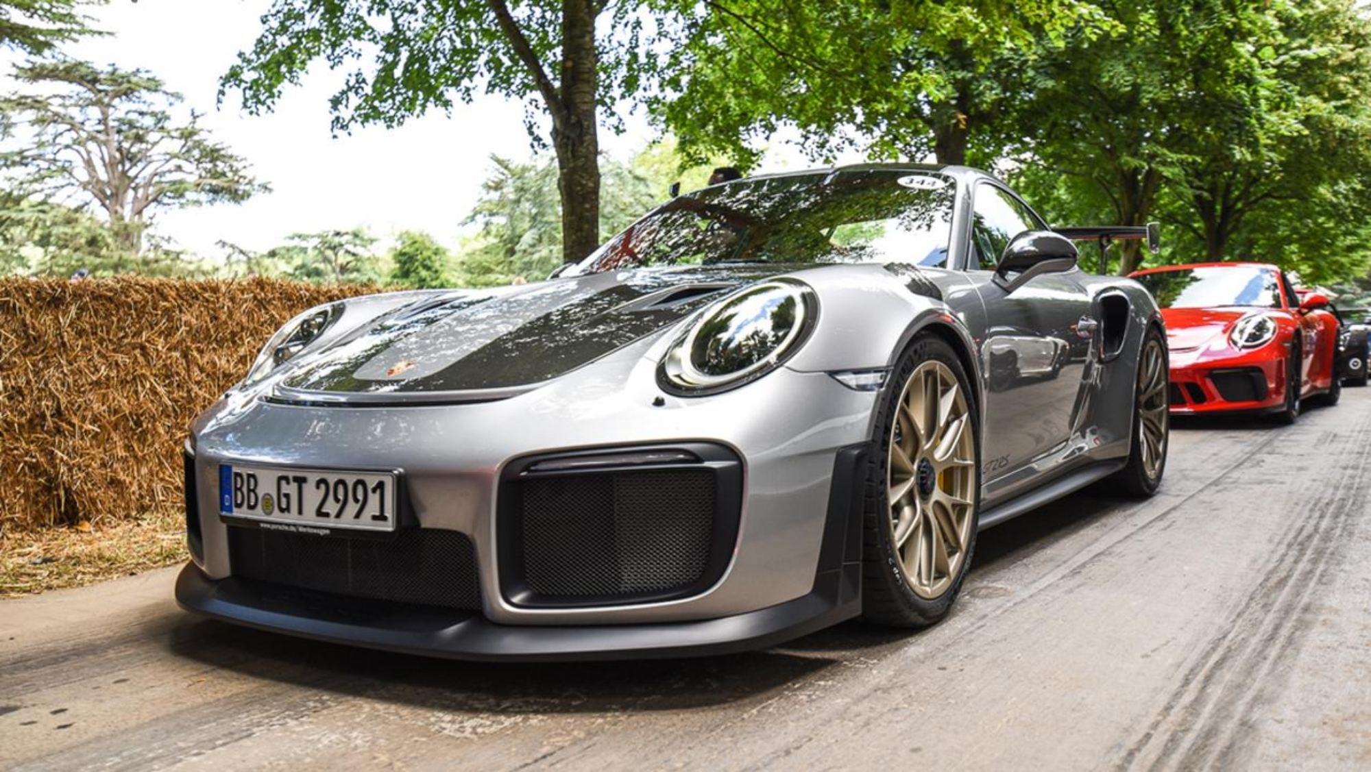 Porsche 911 GT2 RS Gets Full Reveal At Goodwood Thumbnail
