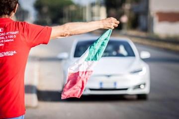 Italian Tesla Model S Owners Break 1,000km On Single Charge