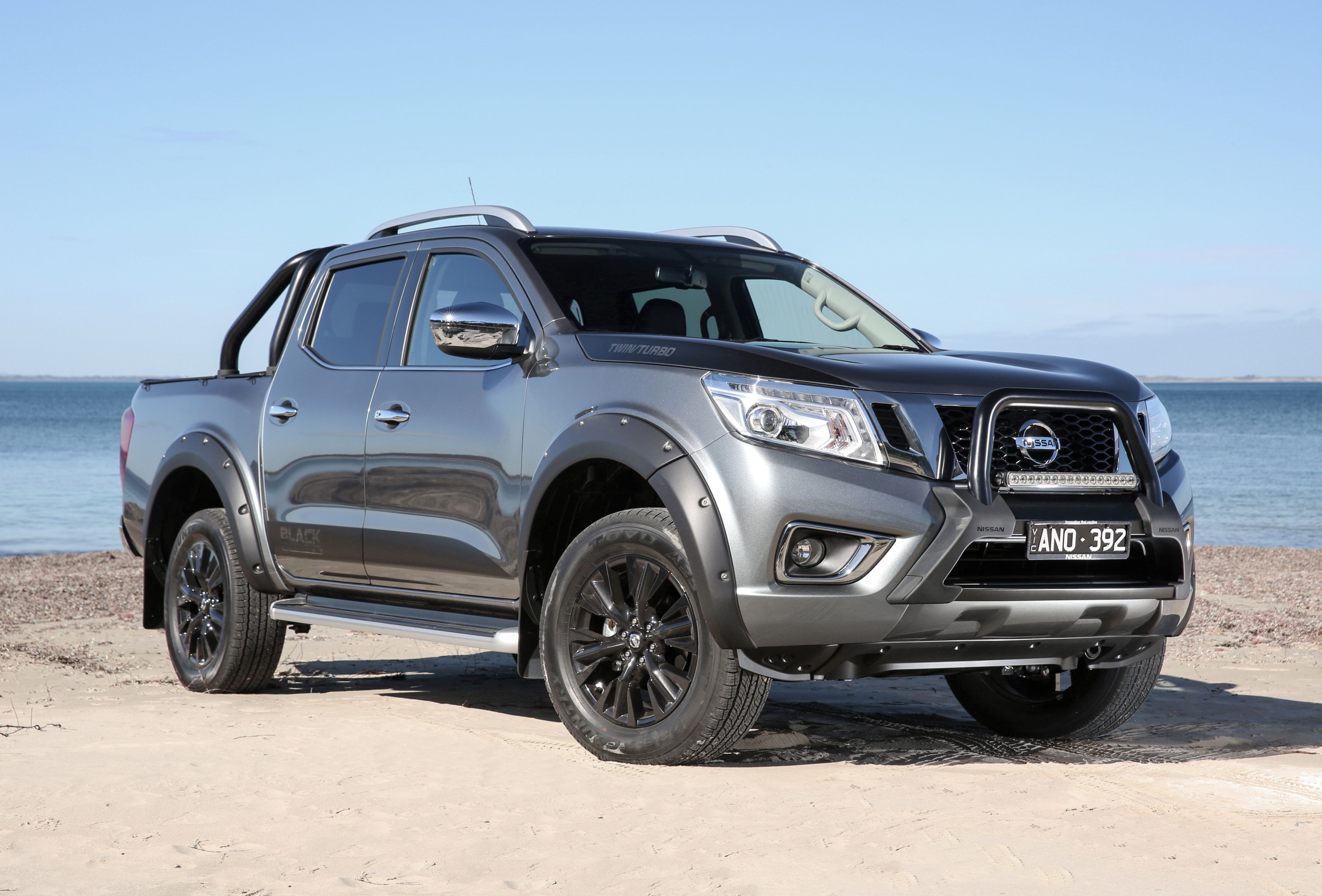 news nissan australia introduces navara n sport black edition. Black Bedroom Furniture Sets. Home Design Ideas