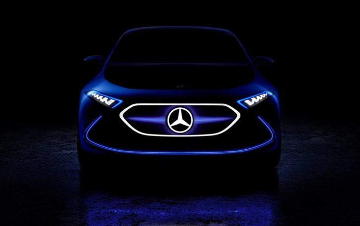 Mercedes-Benz EQ A Teaser - IAA 2017