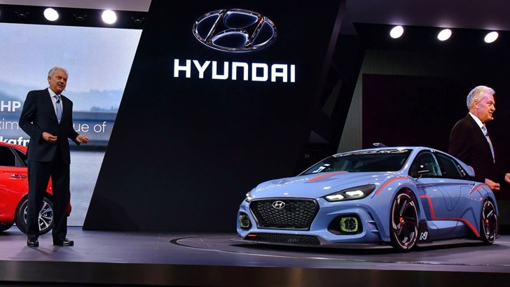 "Hyundai Thinks Luxury Tech Is ""Stupid"""