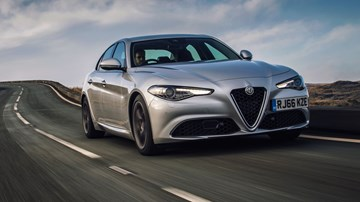 2018 Alfa Romeo Giulia Q2 - UK-Spec