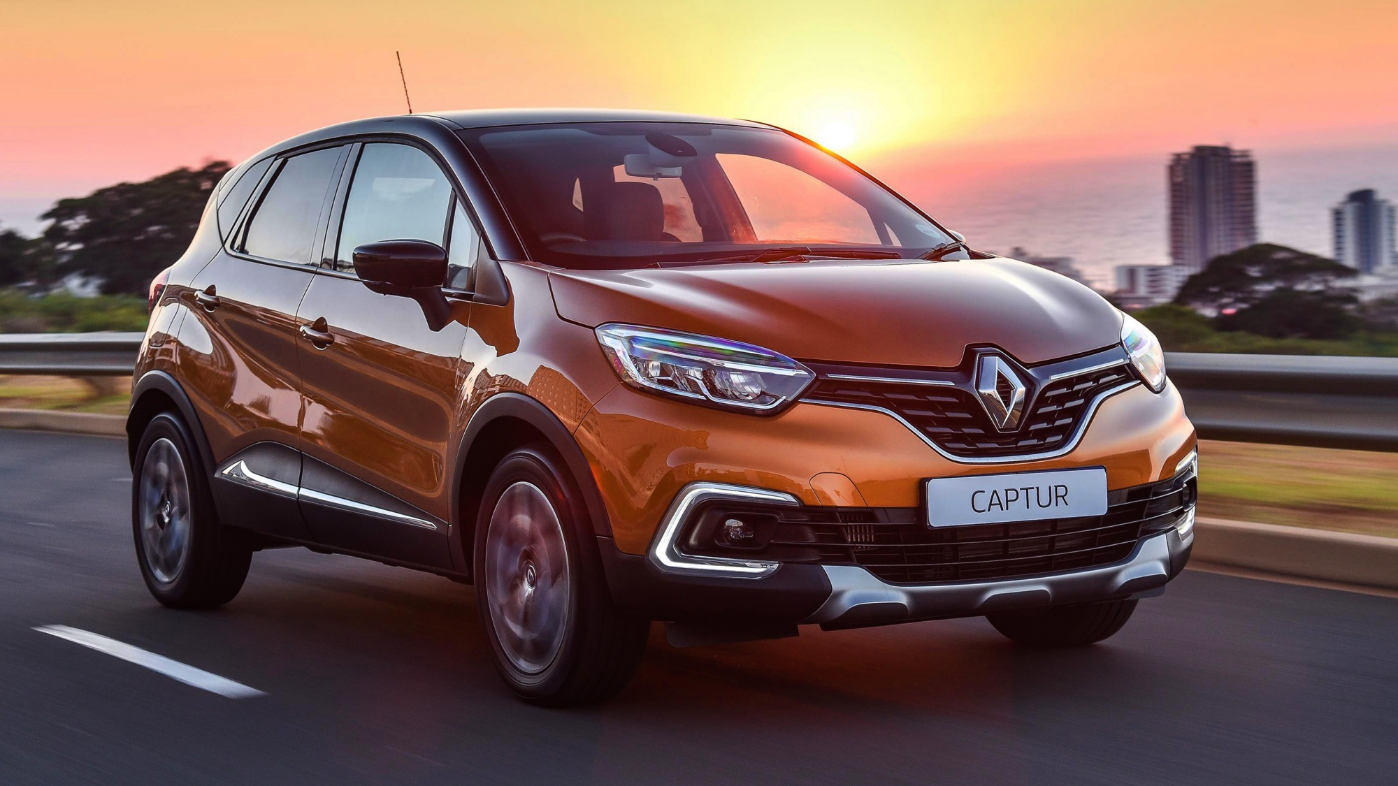 news 2018 renault captur adds flair and clarity. Black Bedroom Furniture Sets. Home Design Ideas
