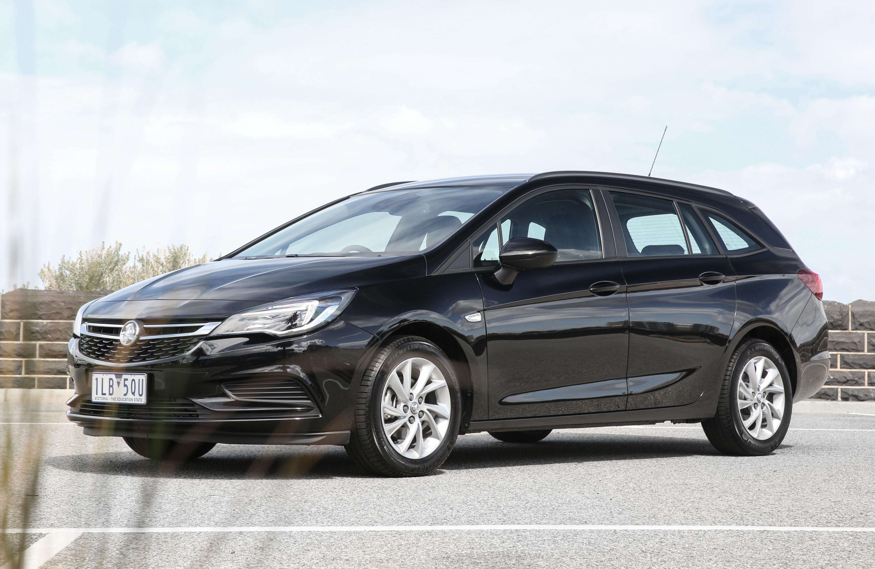 News Holden Details 2018 Astra Sportwagon