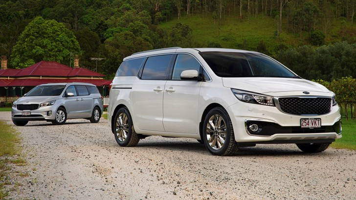 2017 Kia Carnival - Review