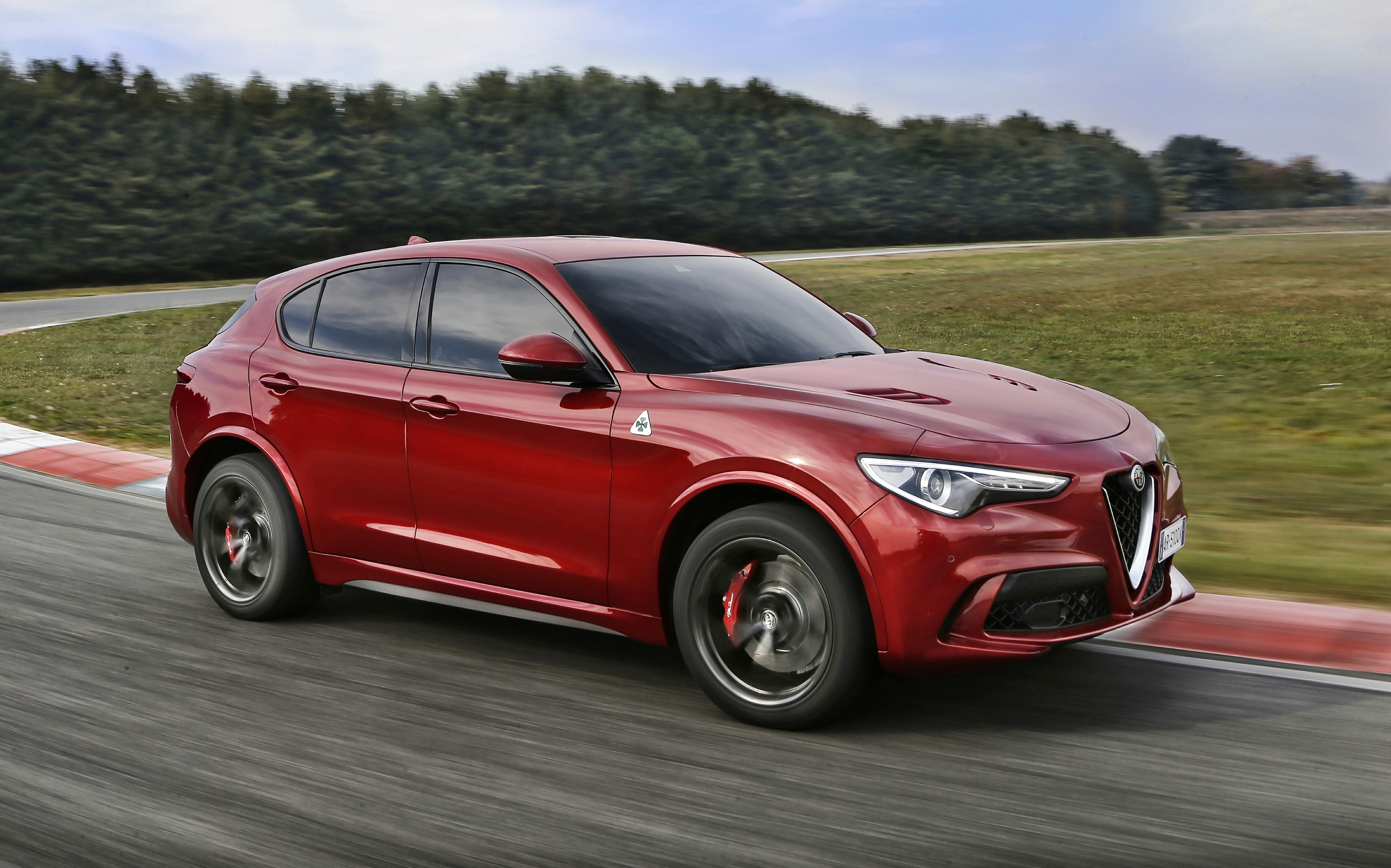 news alfa s right hand drive stelvio qv to roll out mid 2018. Black Bedroom Furniture Sets. Home Design Ideas