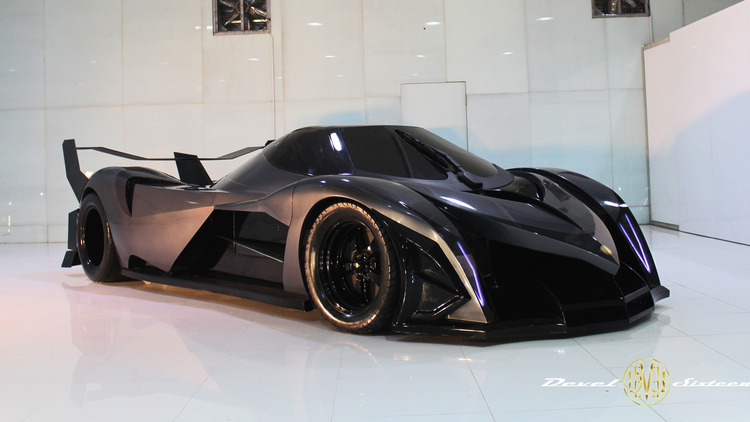 News 3 700kw Devel Sixteen Could Make Production Debut In Dubai