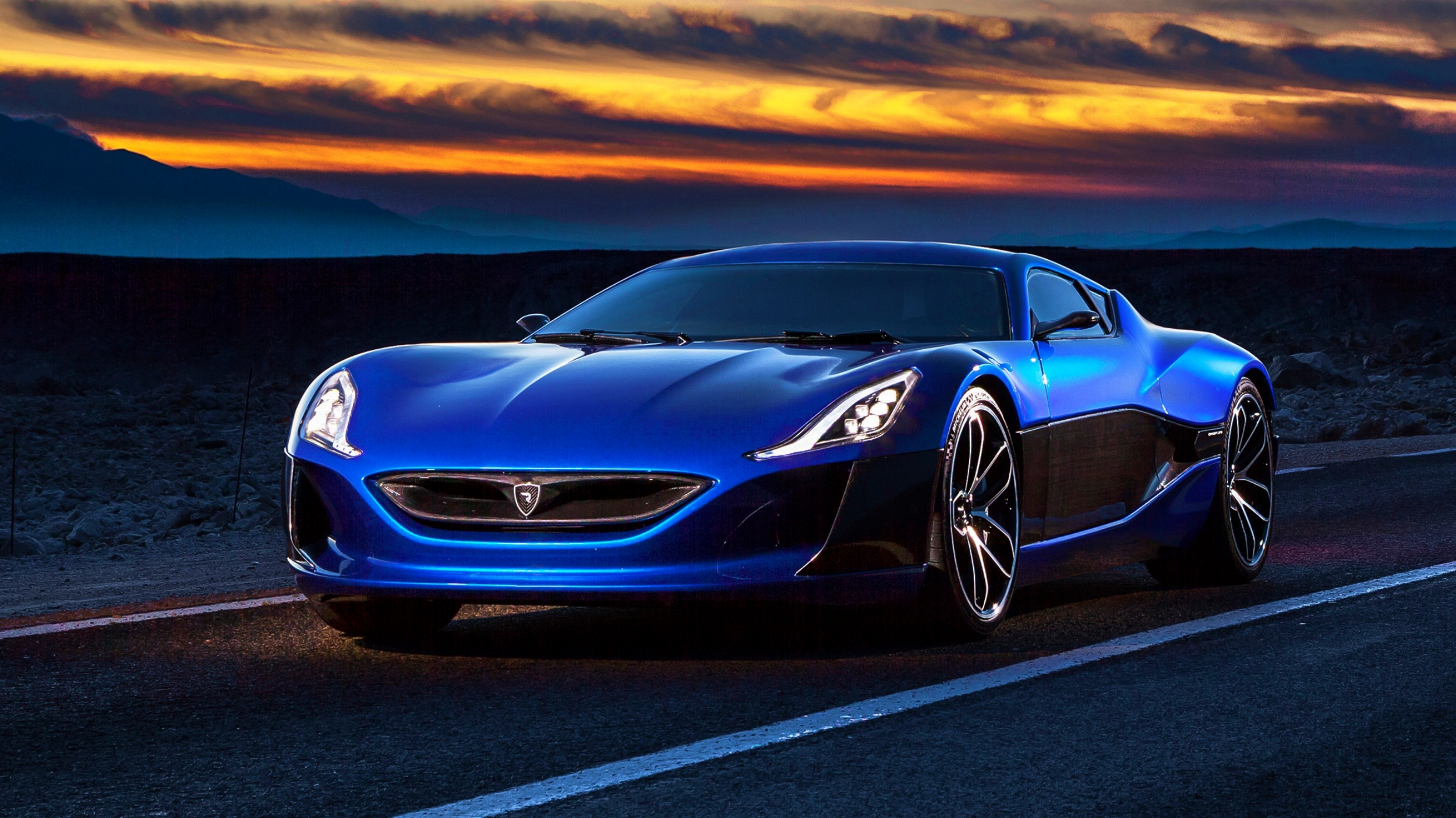 news rimac concept two to bow in at 2018 geneva motor show. Black Bedroom Furniture Sets. Home Design Ideas