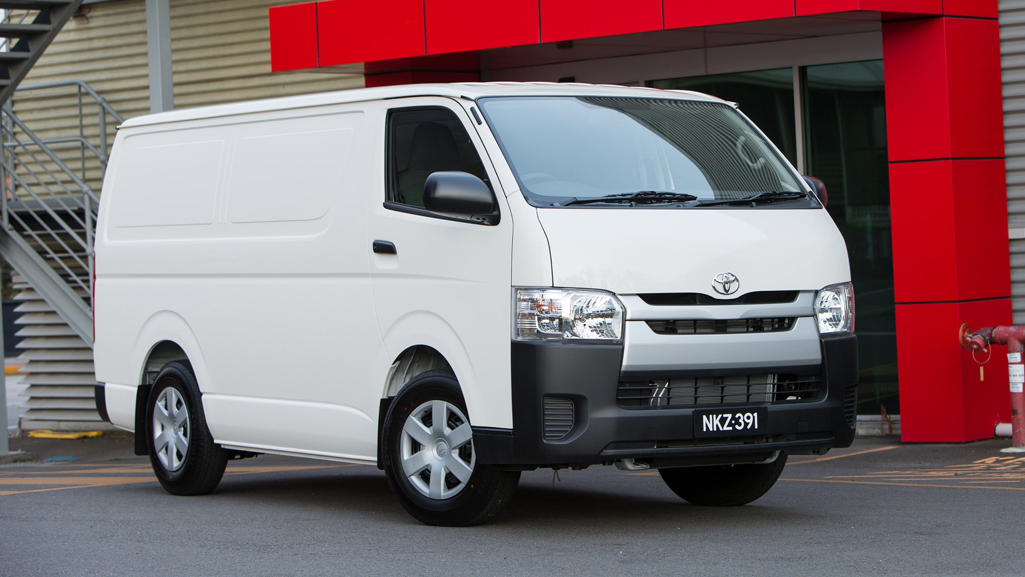 d99297026ddc30 Review - 2018 Toyota HiAce - Review