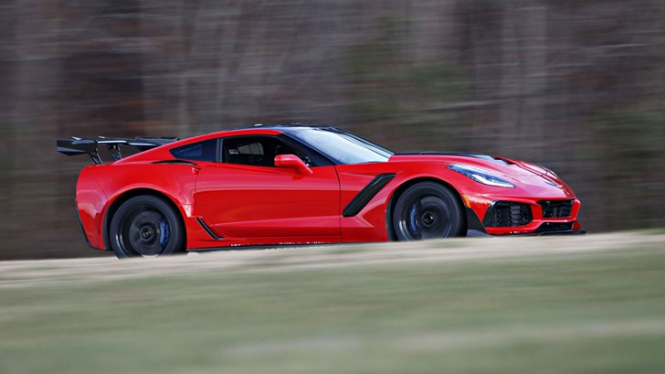 Corvette Zr Beats Ford Gt Lap Record Around Vir