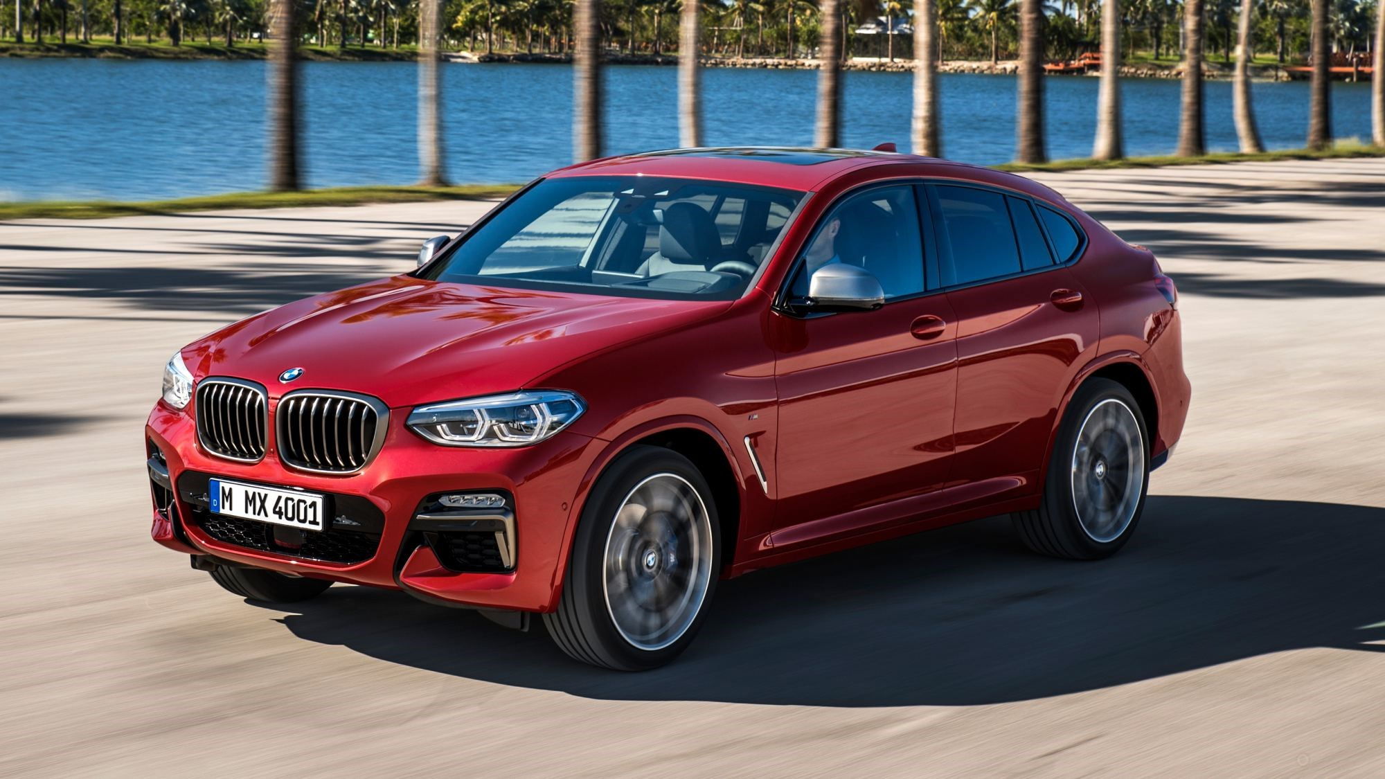 BMW Unveils All-New X4, Outgrows Awkward Phase Thumbnail