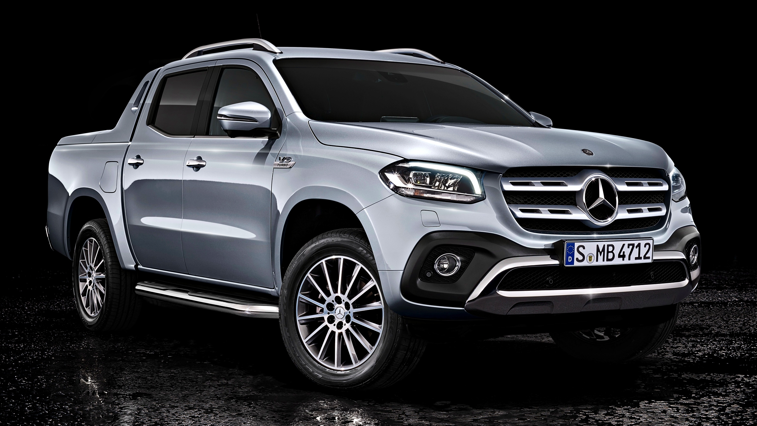 news 2018 mercedes benz x350d unveiled. Black Bedroom Furniture Sets. Home Design Ideas