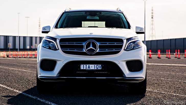 News mercedes maybach gls will target bentley bentayga for Mercedes benz target market