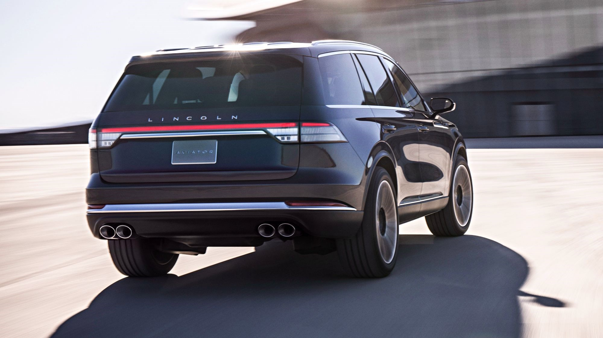 Lincoln Previews All-New Aviator In NYC, An SUV Beauty Thumbnail
