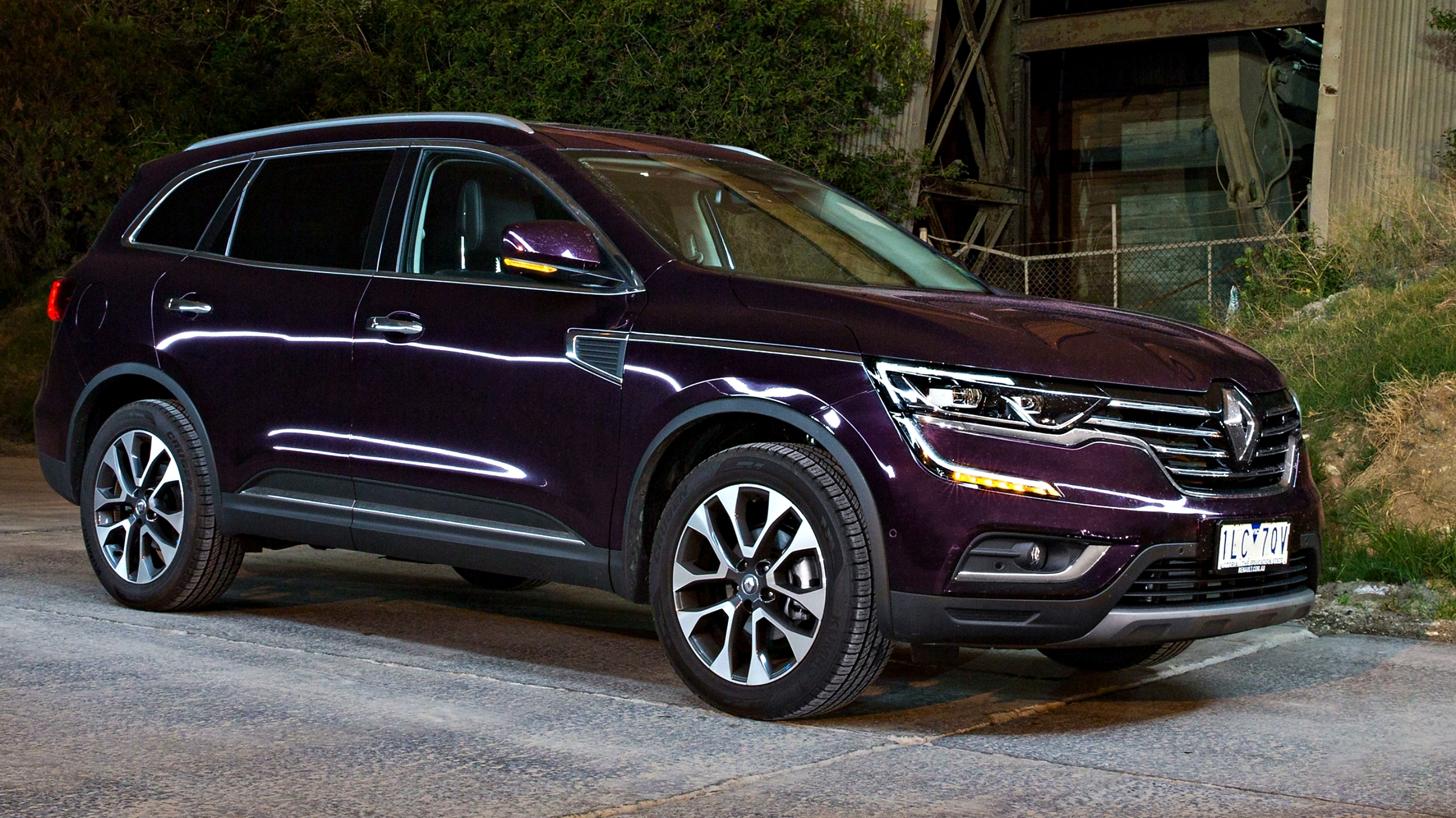 news 2018 renault koleos updated aeb apple carplay now standard. Black Bedroom Furniture Sets. Home Design Ideas