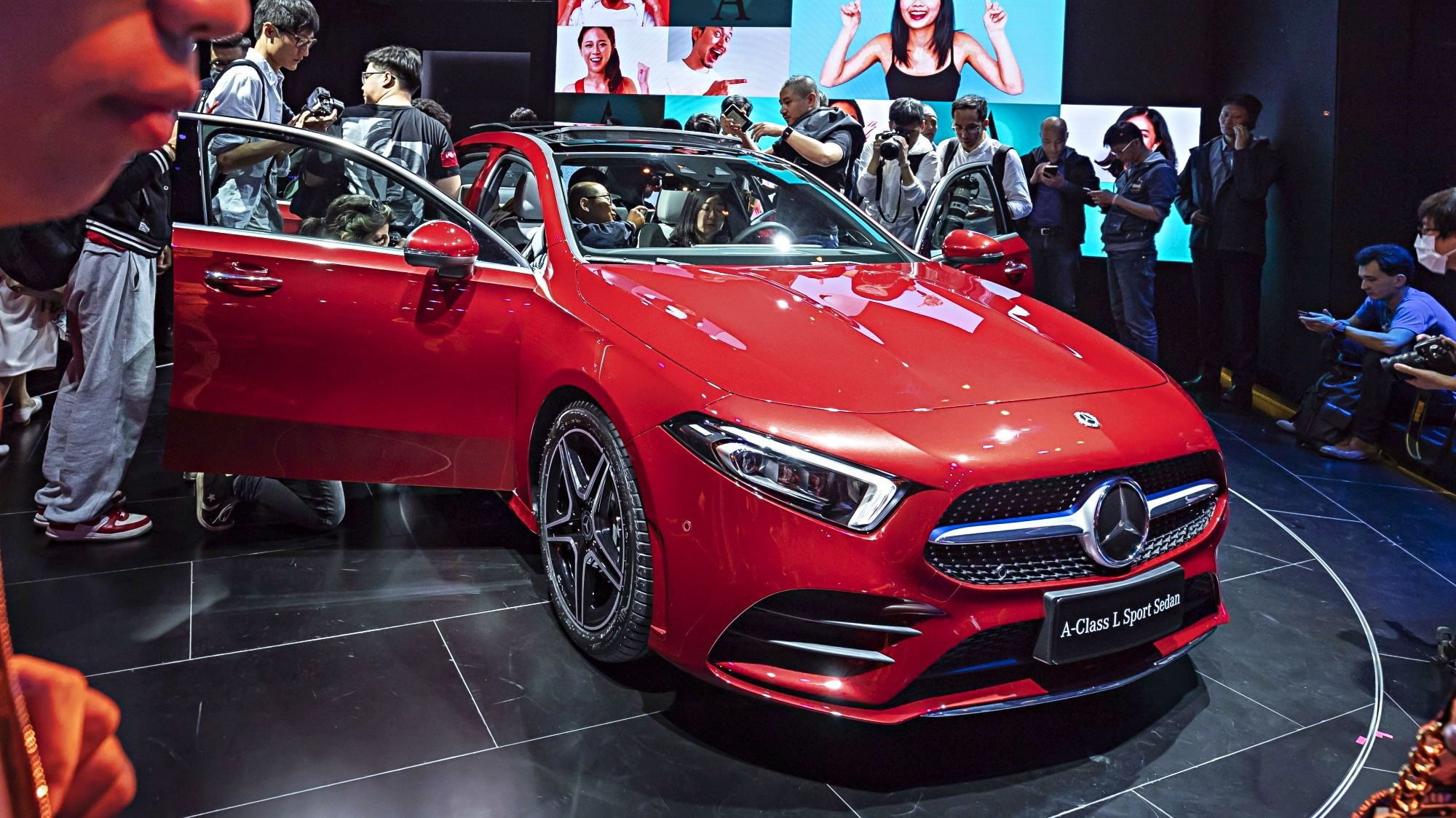Mercedes-Benz A-Class L Builds On Hatch's Strength Thumbnail