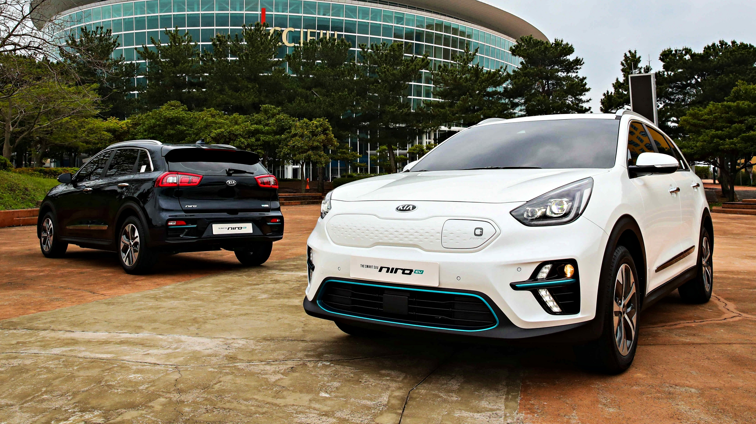 news 2019 kia niro ev crossover offers 380km per charge. Black Bedroom Furniture Sets. Home Design Ideas