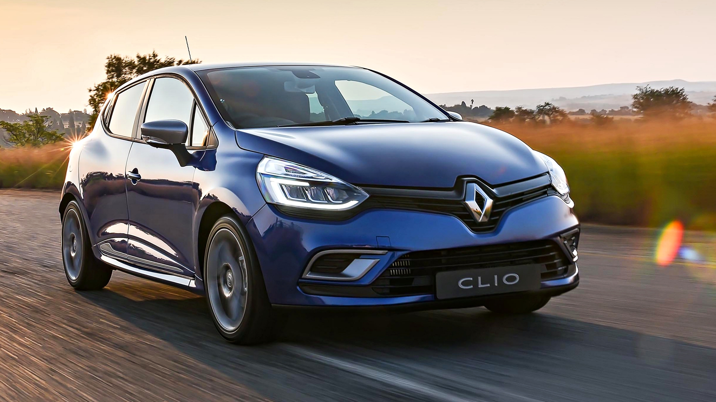 news 2019 renault clio to carry major tech emphasis report. Black Bedroom Furniture Sets. Home Design Ideas