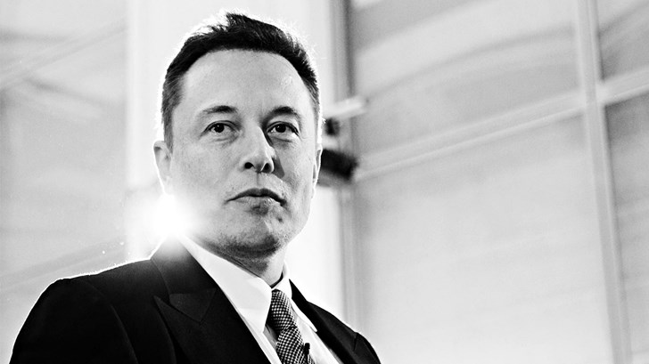 "Elon Musk Lashes Out, Brands Thai Rescue Diver A ""Pedo Guy"" – Gallery"