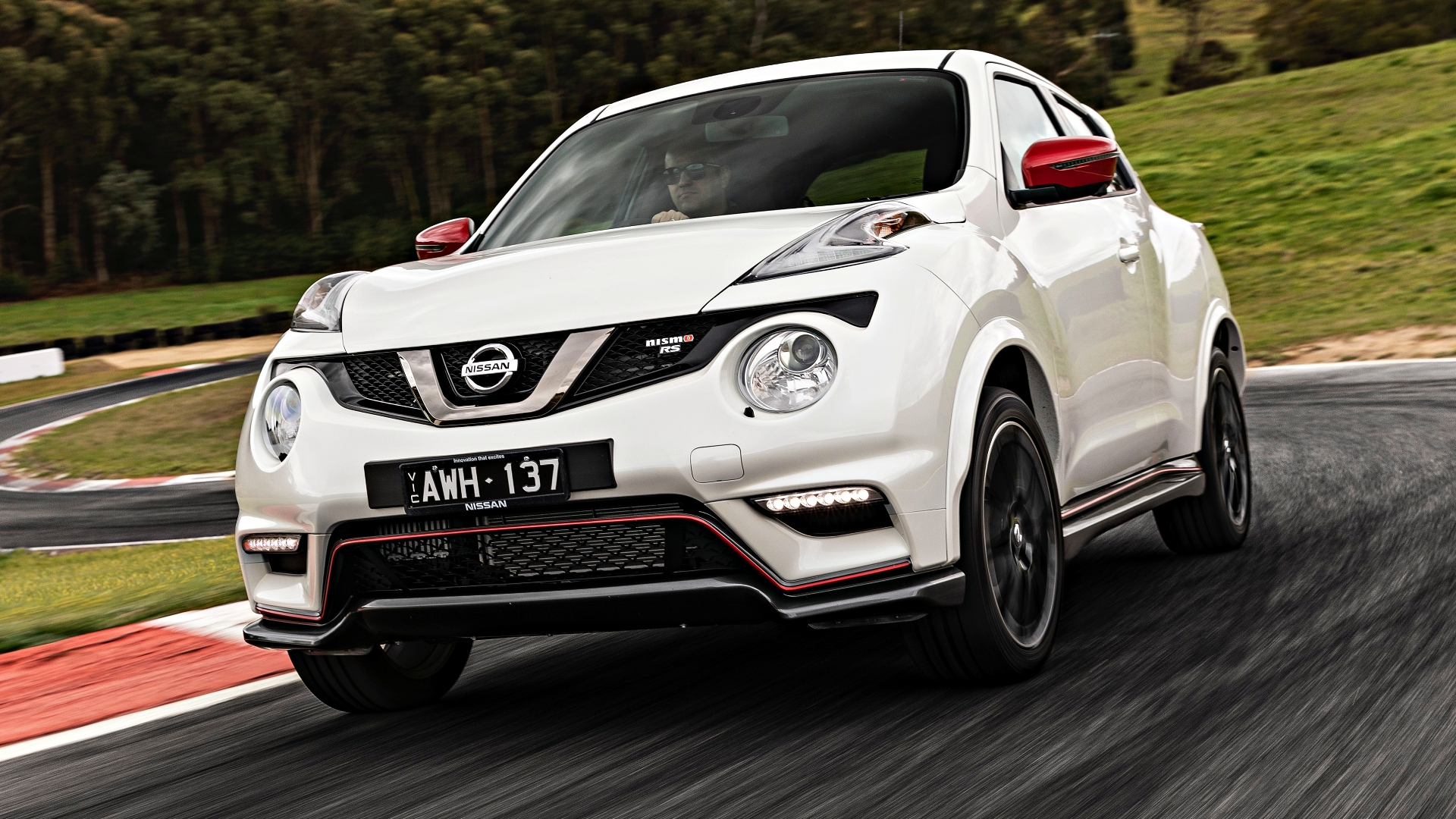 news nissan juke nismo rs lands with 160kw from 38k. Black Bedroom Furniture Sets. Home Design Ideas