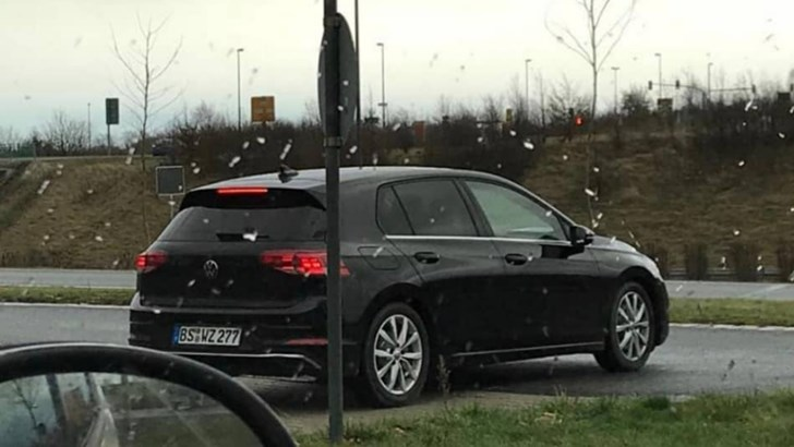'19 Volkswagen Golf Mk8 Spotted… At A McDonald's –Gallery