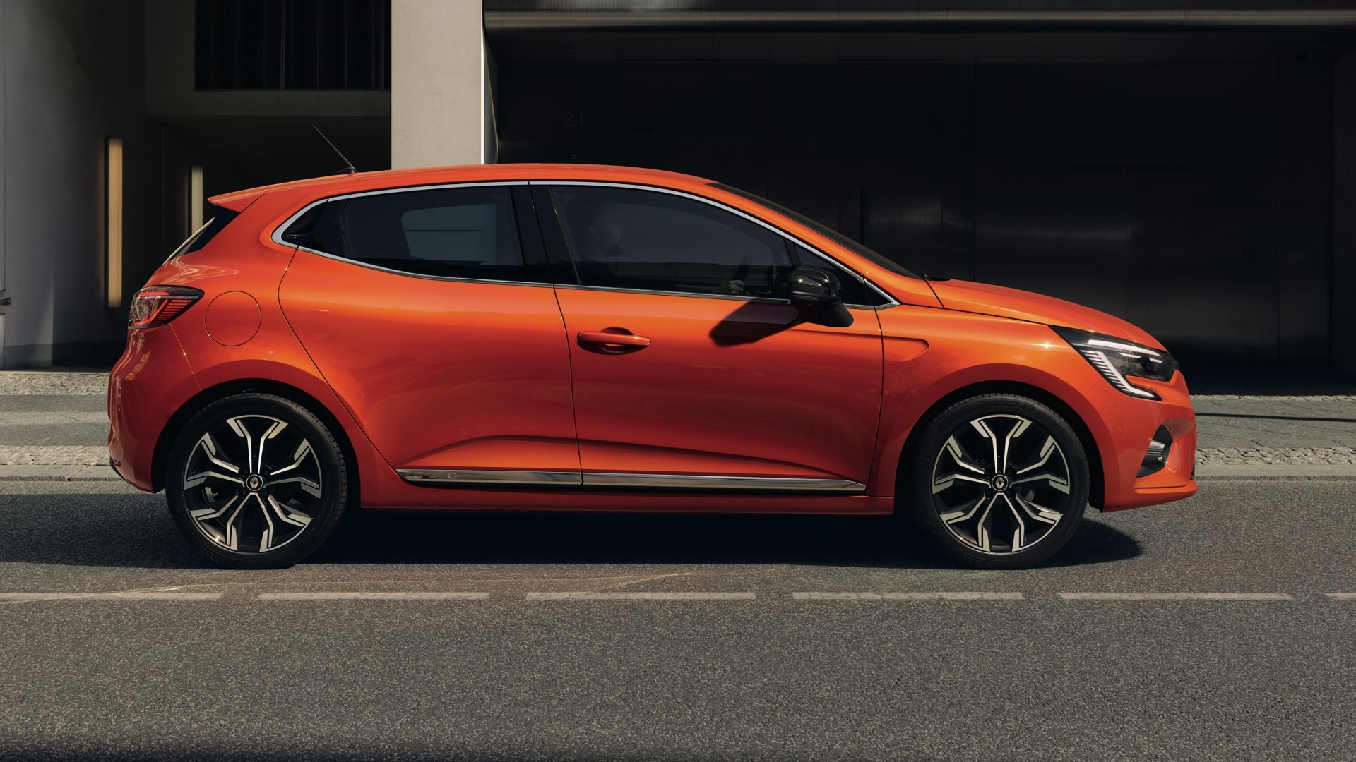 All-New Renault Clio (Mk5) Brings A-Game To The Fore Thumbnail