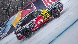 Audi e-tron Climbs An 85 Percent Gradient And Doesn't Fall Off – Video 1