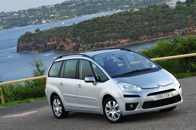 news 2012 citroen c4 picasso more power but same price. Black Bedroom Furniture Sets. Home Design Ideas