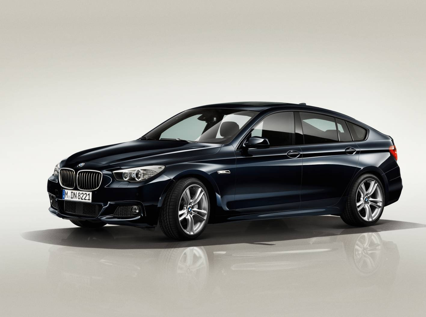news bmw updates 5 series gt new 520d entry model. Black Bedroom Furniture Sets. Home Design Ideas