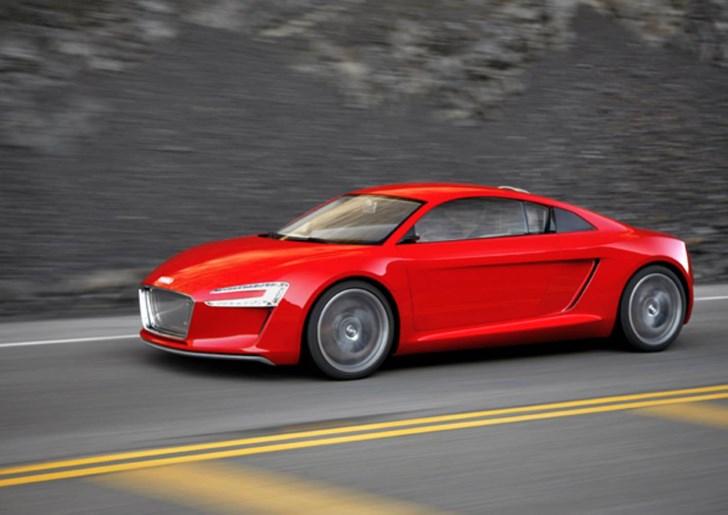News - Camera Replaces Rear-View Mirror In Audi R8 e-tron