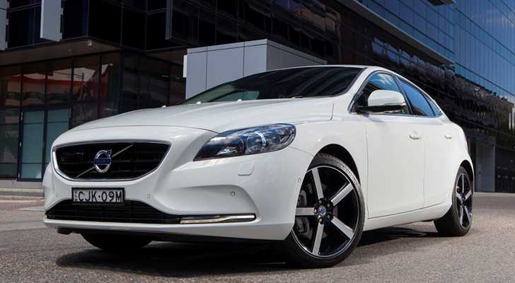 volvo v40 latest prices best deals specifications news and reviews. Black Bedroom Furniture Sets. Home Design Ideas