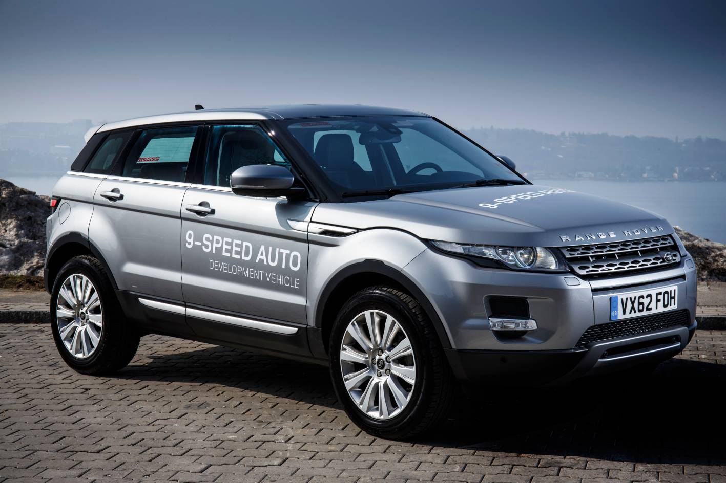 news 2014 range rover evoque 9 speed auto. Black Bedroom Furniture Sets. Home Design Ideas
