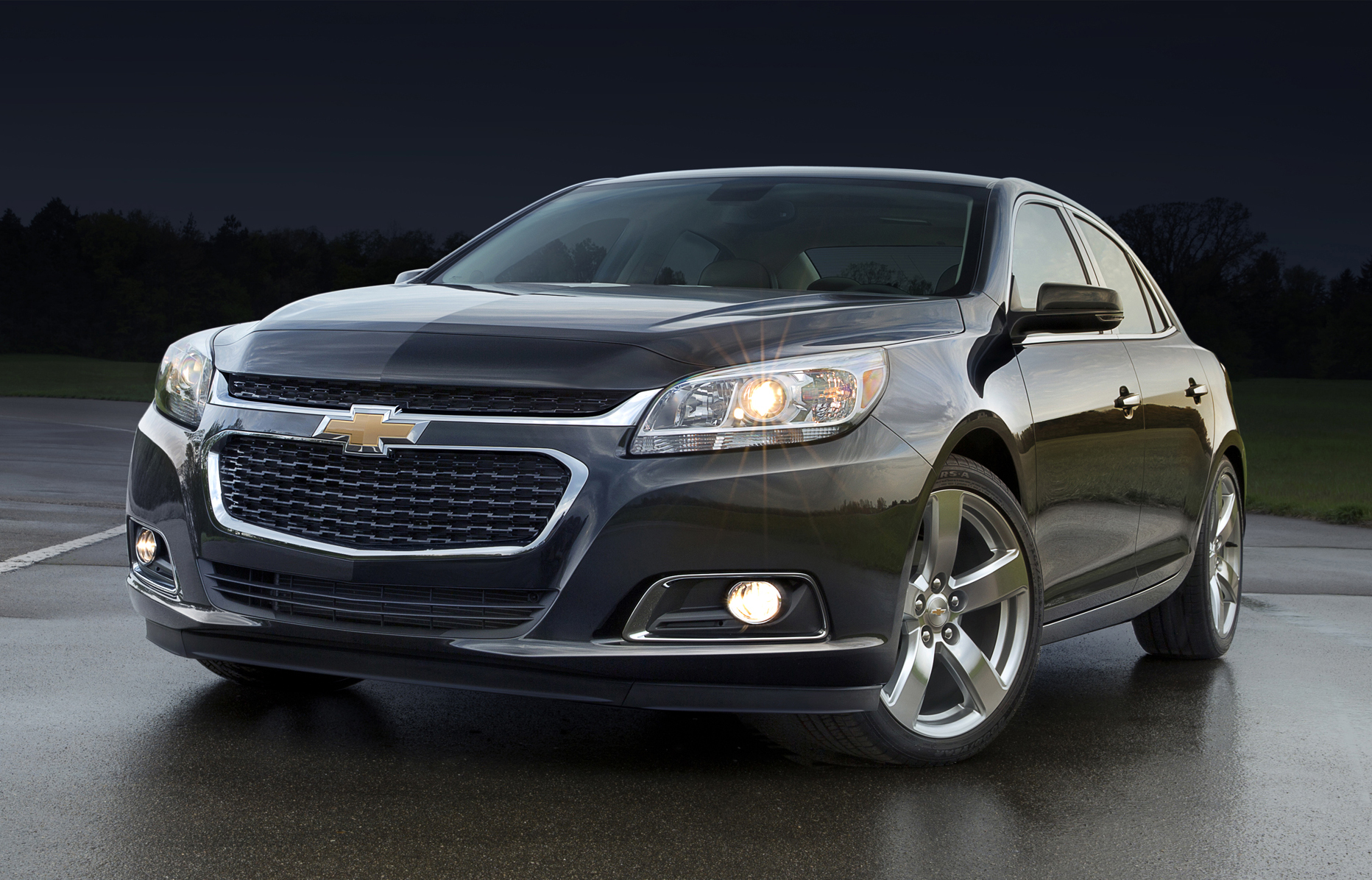news 2014 holden malibu new engine and hands free texting. Black Bedroom Furniture Sets. Home Design Ideas