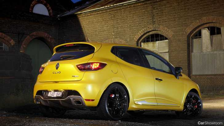 Review - Renault Clio RS 200 Review and Road Test